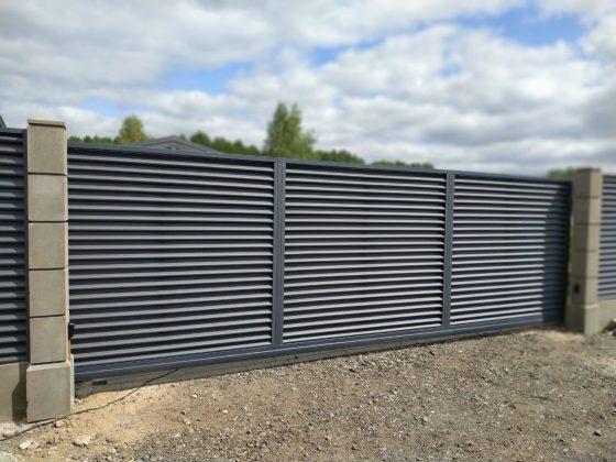 забор жалюзи на модульном фундаменте